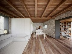 This house was refurbished from an old barn in Estorde by Dom Arquitectura with the ideas was to maintain the whole exterior keeping the stone facades as interior. Home Improvement Loans, Home Improvement Projects, Kitchen Sink Interior, Stone Facade, Open Fireplace, Modern Rustic Interiors, Simple House, Ground Floor, Interior Inspiration
