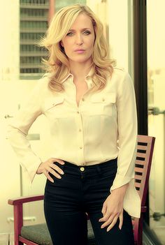 Really enjoying Gillian Anderson as a British cop chasing a serial killer in THE FALL.