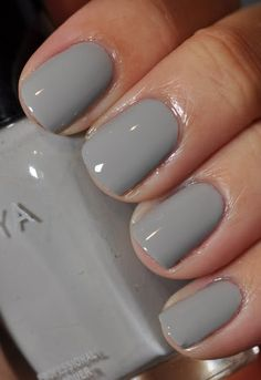Simple gray nails