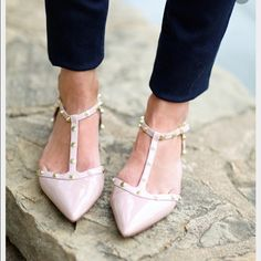 Halogen Olson Pointy Toe Studded Flats Pale pink leather. Size 5.5 but fits like a true size 6. Very good condition, worn once. ❌NO TRADES OR PAYPAL❌ Halogen Shoes Flats & Loafers