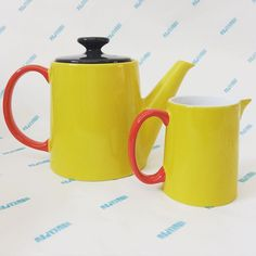 Our #orderenvy today is a lovely Yellow JansenCo Tea Pot and Milk Jug... The perfect pair! #howkapowstudio #yellow #timefortea