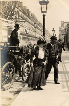 Wonder where they were going....Paris, 3rd June 1906