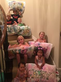 LOVE this idea to decorate pillow cases.perfect craft for slumber party! : LOVE this idea to decorate pillow cases…perfect craft for slumber party! Slumber Party Birthday, Sleepover Birthday Parties, Girl Birthday, 10th Birthday, Hotel Sleepover Party, Birthday Ideas, Kids Sleepover, Sleepover Activities, Slumber Party Crafts