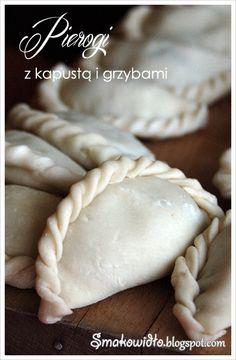 Smakowidło - blog kulinarny o pysznym jedzeniu!.: Pierogi z kapustą i grzybami