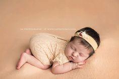 Neugeborene Mädchen Strampler von LovelyBabyPhotoProps auf Etsy