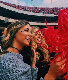 If you just got accepted to the University of Georgia, there are so many things for you freshmen to look forward to! Here's why I'm excited to start at UGA! Go Best Friend, Best Friend Goals, Best Friends, College Game Days, College Girls, College Life, School Life, School Days, High School