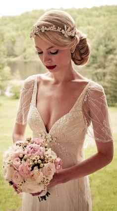1920s Inspired Wedding Dress #vestidodenovia | #trajesdenovio | vestidos de novia para gorditas | vestidos de novia cortos http://amzn.to/29aGZWo #vintageweddingdresses