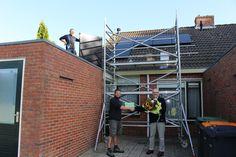 Deze week werd de 500e woning van Woonservice voorzien van zonnepanelen. Huurders van Woonservice kunnen tegen een kleine huurverhoging, zonnepanelen op hun woning krijgen. De woningcorporatie wil hiermee de woonlasten van haar huurders verlagen. Woonservice heeft 4900 woningen enis actief in 6 gemeenten in Drenthe, waaronder Borger-Odoorn.  Lees verder op onze website.