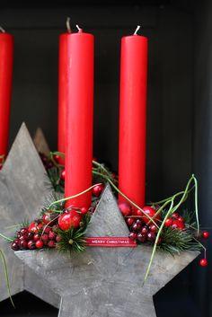 Red Candles, Theme Noel, Christmas Decorations, Christmas Ornaments, September, Advent Season, Christmas Time, Decorating, Christmas