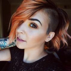 Image may contain: 5 people, selfie and closeup - Today Pin Undercut Hairstyles Women, Pixie Hairstyles, Cute Hairstyles, Shaved Hairstyles, Pixie Haircuts, Edgy Short Hair, Short Hair Styles, Edgy Hair, Hair Inspo