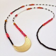 Jewelry DIY - Step by step tutorial on how to make this abstract seed bead necklace.
