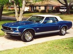 Ford Mustang Convertible (1969).