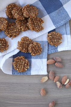 Four Ingredient No-Bake Peanut Butter Cookies