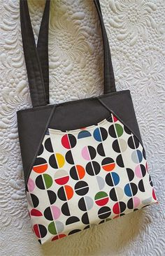 Tote bag with deep front pocket. Fabric from Ikea, Decovil I interfacing.