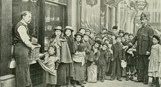 The poor waiting in line for parcels of food, in Cheapside, #London. 1890