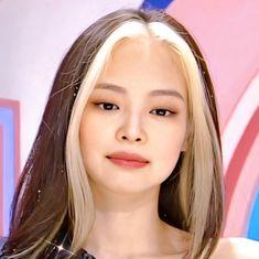 Hair Color Streaks, Tumbrl Girls, Jennie Kim Blackpink, Kim Jisoo, Black Pink Kpop, Blackpink Photos, Blackpink Fashion, Aesthetic Hair, Grunge Hair
