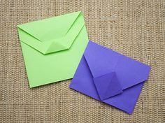 http://www.viladoartesao.com.br/blog/2012/05/como-fazer-um-cartao-box-para-presentear/
