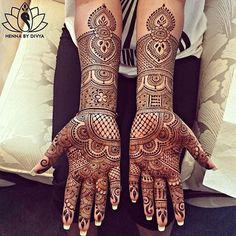 So beautiful! Henna: @hennabydivya #indian_wedding_inspiration