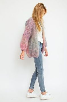 Oversized, fuzzy and warm: this multicolor cardigan is handmade from high-quality wool and will make you feel cozy all winter. This stand-out knited dream will add a luxurious feel to your look. By Les Tricots D& Available at Sienna Faye. Mohair Cardigan, Knit Cardigan Pattern, Crochet Woman, Knit Crochet, Gros Pull Mohair, Casual Outfits, Fashion Outfits, Knit Fashion, Knit Patterns