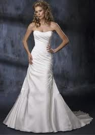 laceup wedding dresses - subtle sweetheart, tight around the hips, loose everywhere else