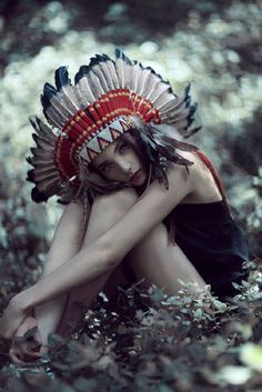 red indian Feathered warbonnets head dress