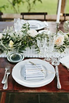 Stripes and pretty rustic garland:http://www.stylemepretty.com/little-black-book-blog/2014/12/11/rustic-tuscan-fall-wedding/   Photography: Matteo Crescentini - http://www.matteocrescentini.it/