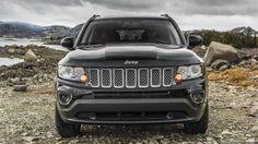 Jeep® Compass Limited shown in Brilliant Black.