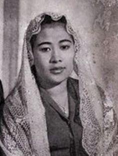 Foto-foto 9 Istri Soekarno [Ratna Sari Dewi Paling Cantik]