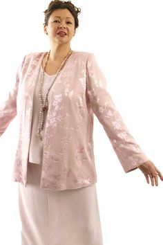 Plus Size Mother of Bride Jacket Silk Floral Diamante Pink SHOP NOW: Unique jackets for women Sizes 14 - mother of the bride, special occasion, artwear, elegant and unique women's clothing,xoPeg Formal Dresses With Sleeves, Dresses Short, Wedding Dresses Plus Size, Ball Dresses, Plus Size Dresses, Plus Size Outfits, Bride Dresses, Dresses Uk, Wedding Gowns