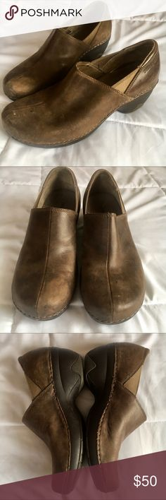 Patagonia leather mules / clogs Brown leather clogs/mules in used but good condition. Lots of wear left in these very comfortable shoes. Signs of wear are exaggerated a bit in the picture due to lighting. Patagonia Shoes Mules & Clogs