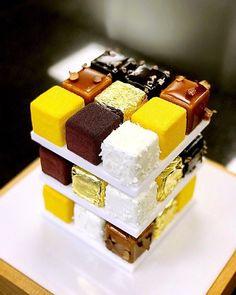 Elegant Desserts, Beautiful Desserts, Fancy Desserts, Delicious Desserts, Mini Cakes, Cupcake Cakes, Cake Boss Cakes, Easy Cake Recipes, Dessert Recipes