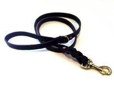 Traditional Lead.  Strong leather, Will last for years.  Plaited for extra strength.   www.ksleads.com