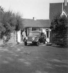 OG | 1936-37 Volkswagen / VW KdF-Wagen | Prototype Typ 60 (V3) in the front of Porsche's home.