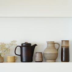 """@& bloesem blogs's photo: """"Vintage finds a collection ceramic vases and very happy with the Arabia one."""""""