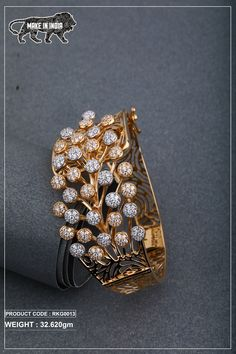 Jewelry Design Earrings, Beaded Jewelry Designs, Gold Earrings Designs, Hand Jewelry, Gold Jewellery, Gem Drawing, Italian Gold Jewelry, Gold Bangles Design, Diamond Earing