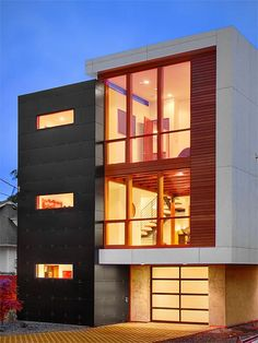 Contemporary Home + Capitol Residence in the Capitol Hill urban community of Seattle in Washington