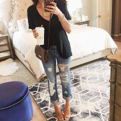 black tee + ripped jeans + crossbody #louisvuitton