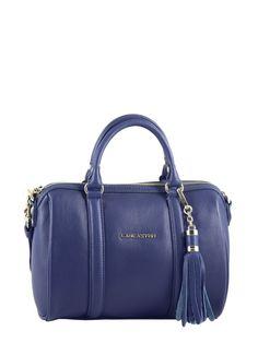 LANCASTER - Sac polochon Actual Baroque Mademoiselle Ana en cuir bleu. Baroque, Rebecca Minkoff, Shoulder Bag, Chic, Fashion, Metal Letters, Small Letters, Suitcase, Moda