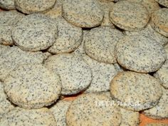 Makové koláčiky s citrónovým krémom (fotorecept) - recept Erika, Amazing Cakes, Food Ideas, Cookies, Desserts, Basket, Crack Crackers, Tailgate Desserts, Deserts