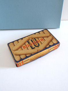 Boîte de biscuits ancienne LU par BrocAndPop sur Etsy