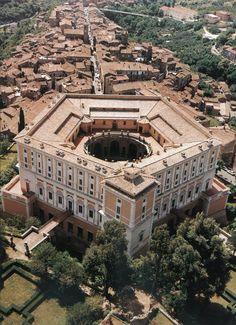 Palazzo Farnese, Caprarola (Alessandro Farnese), Antonio da Sangallo and Jacopo da Vignola, 1559