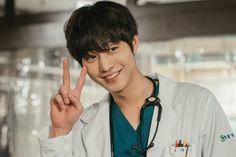 Korean Male Actors, Handsome Korean Actors, Korean Celebrities, Asian Actors, Jae Lee, Lee Sung Kyung, Lee Jong Suk, Ahn Hyo Seop, Romantic Doctor