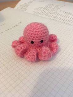 Crochet... Amigurumi : Mini Octopus - free pattern.