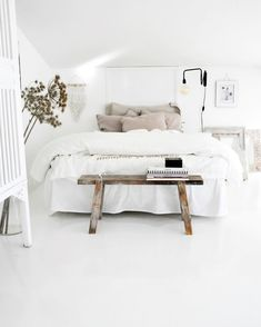 White room: 60 ideas and projects that can inspire you - Home Fashion Trend Home Bedroom, Bedroom Decor, Bedroom Ideas, Master Bedroom, Bedroom Designs, All White Bedroom, White Bedrooms, White Bedding, Bedroom Inspo