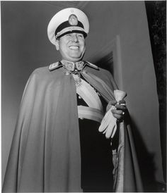 Gisèle Freund, Le Général Juan Peron, Buenos Aires, 1950, via Flickr.