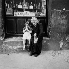 Bill Perlmutter :: Grandmother and Granddaughter, Spain, 1956