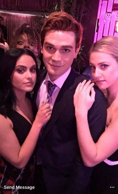 Uploaded by josie🦋. Find images and videos about riverdale, lili reinhart and betty cooper on We Heart It - the app to get lost in what you love. Kj Apa Riverdale, Riverdale Archie, Riverdale Memes, Vanessa Morgan, Betty Cooper, Lili Reinhart, Camila Mendes Riverdale, Betty & Veronica, Veronica Roth