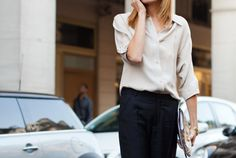 Un hombre se hace mayor cuando le gustan las blusas en una mujer. O sea, soy mayor.