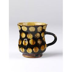 Staffordshire Cup, ca. 1700. Lead glazed with slip decoration. V collections.
