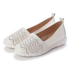 23aba3047b イングプラス ing PLUS レーザーカットスリッポン (ホワイト) -靴&ファッション通販 ロコンド
